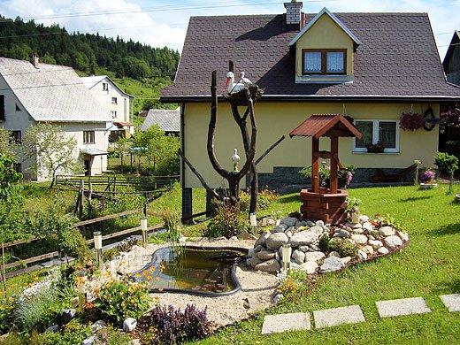 A002 - chata na okraji obce Lutiše neďaleko známej obce Terchová v pohorí Malá Fatra na Orave.