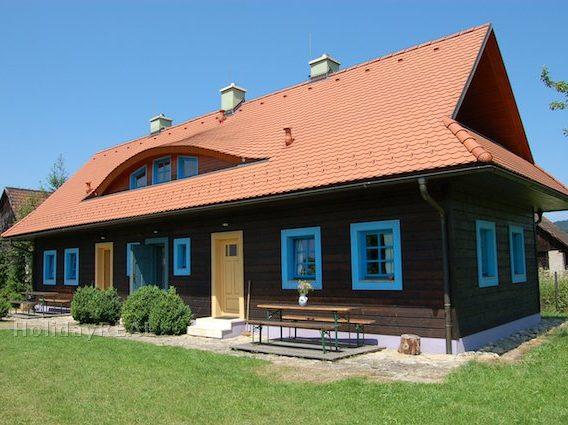 A048 - drevenica v obci Liptovský Michal, iba 2 km od Gino Paradise Bešeňová a 7 km od Aquaparku Tatralandia