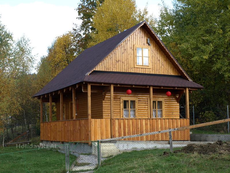 A224 - chata na samote na okraji obce Lutiše neďaleko rázovitej slovenskej obce Terchová v Malej Fatre