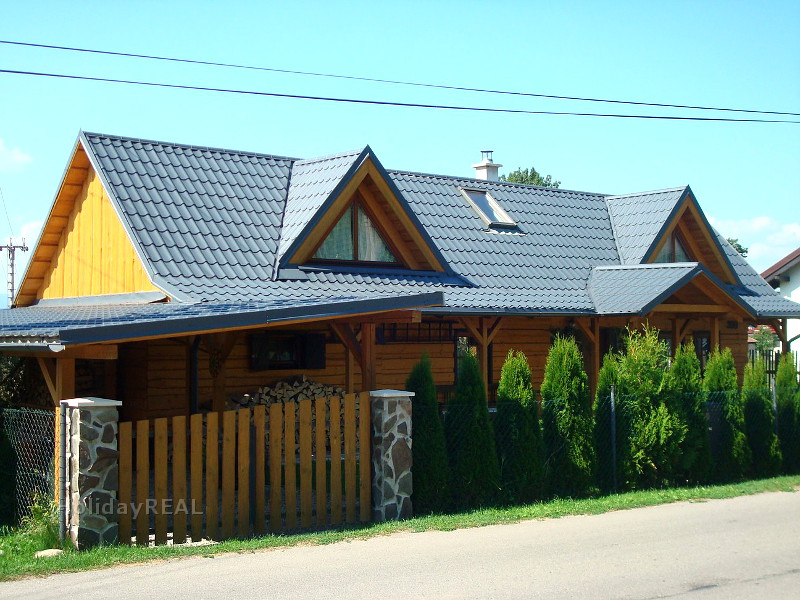 A227 - drevenica v malebnej obci Blatnica na úpätí pohoria Veľká Fatra neďaleko mesta Martin