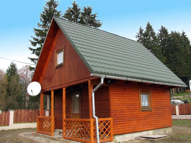 A214 - zrubová chata so zatrávneným pozemkom v podhorskej dedinke Turík neďaleko Ružomberka na Liptove