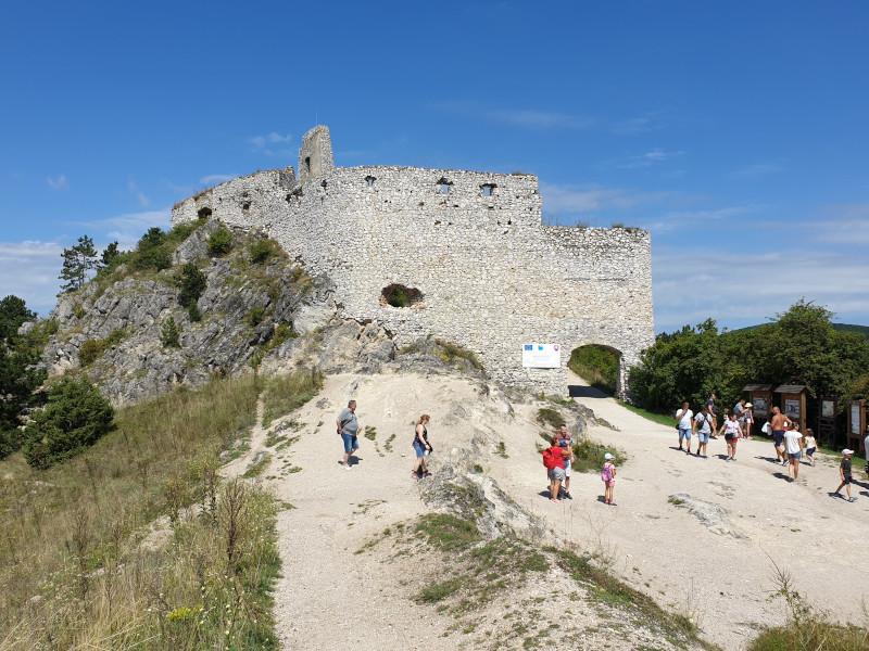 Zrúcanina Čachtického hradu